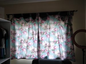 making flower curtains