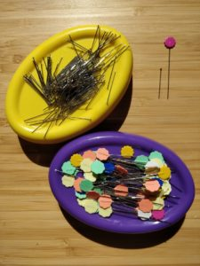 flower head pins on magnetic pincushion