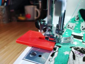 sewing accessory for sewing bulk fabrics
